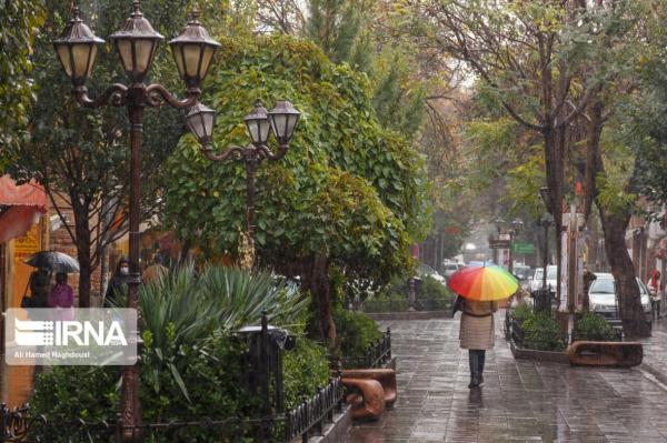 خبرنگاران بارش پراکنده باران در نیمه جنوبی تهران پیشبینی میشود