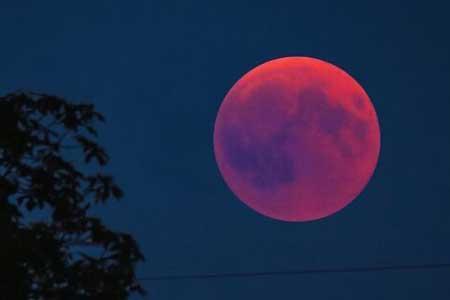 همزمانی ابر ماه و خسوف در روز چهارشنبه