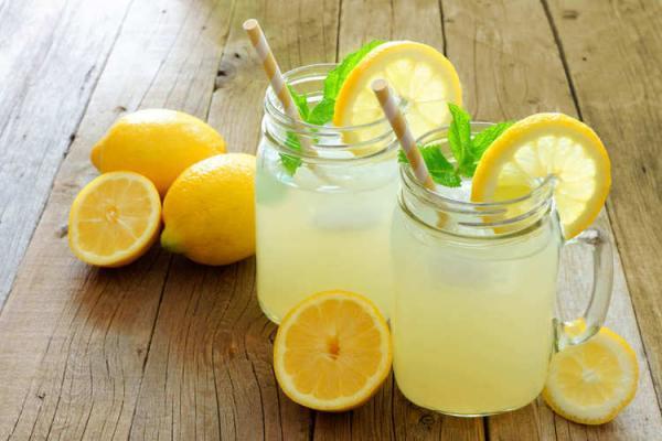پیشگیری و درمان گرمازدگی با 10 نوشیدنی گیاهی