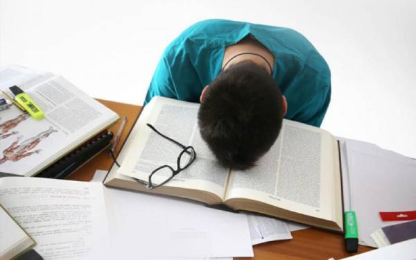 تعبیر خواب آماده نبودن برای امتحان یا دیر رسیدن به امتحان چیست؟